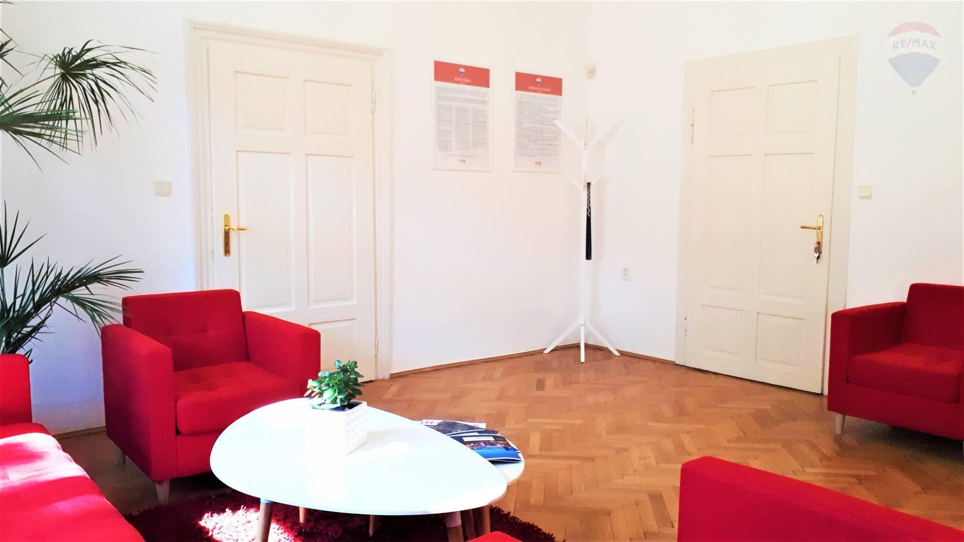 Prenájom komerčného priestoru 75 m2, Nitra - NA PRENÁJOM KANCELÁRSKY PRIESTOR NA HRADNOM KOPCI V NITRE, KRÁĽOVSKÁ CESTA