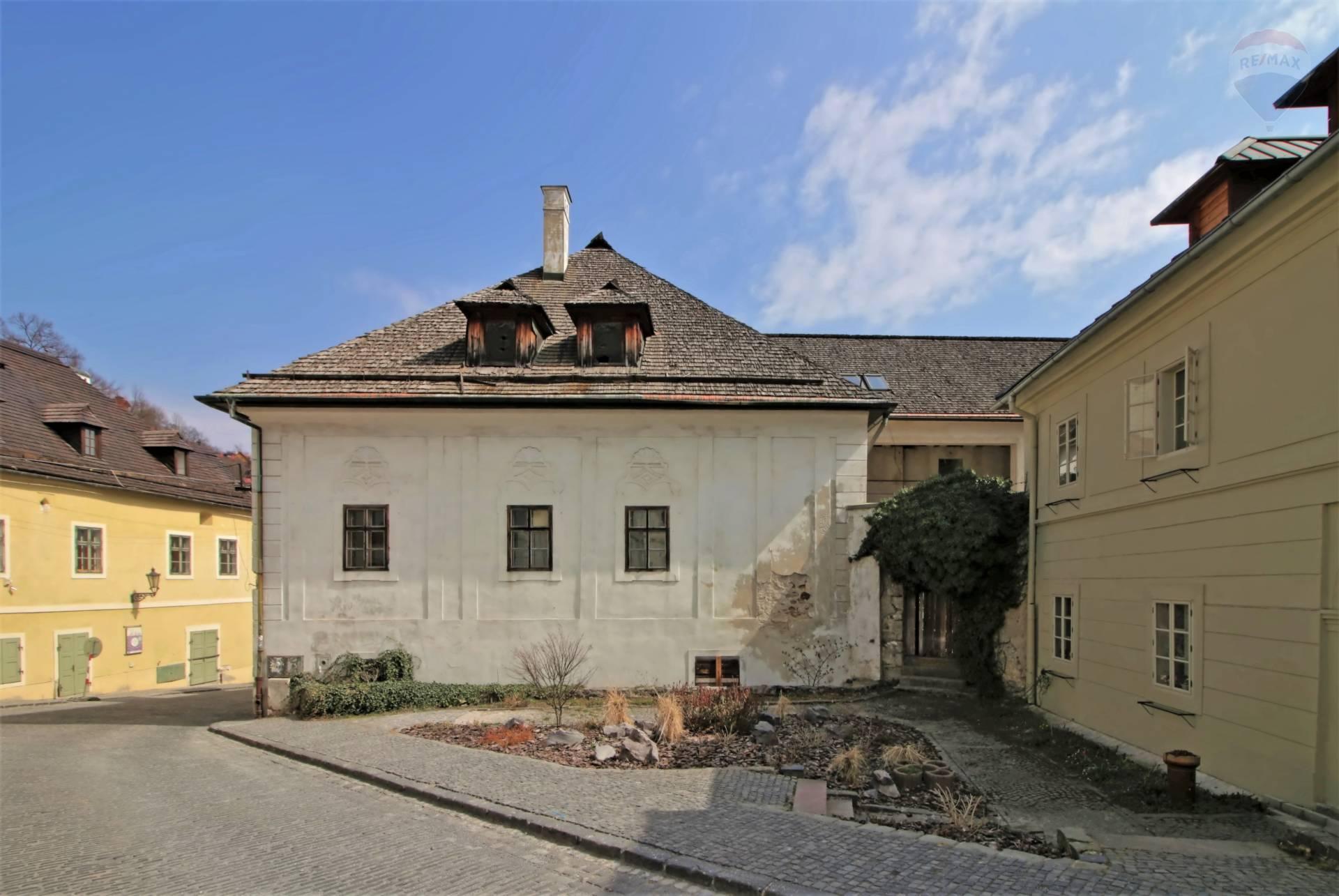 Predaj hotelu 2104 m2, Banská Štiavnica - Pohľad zo zadu