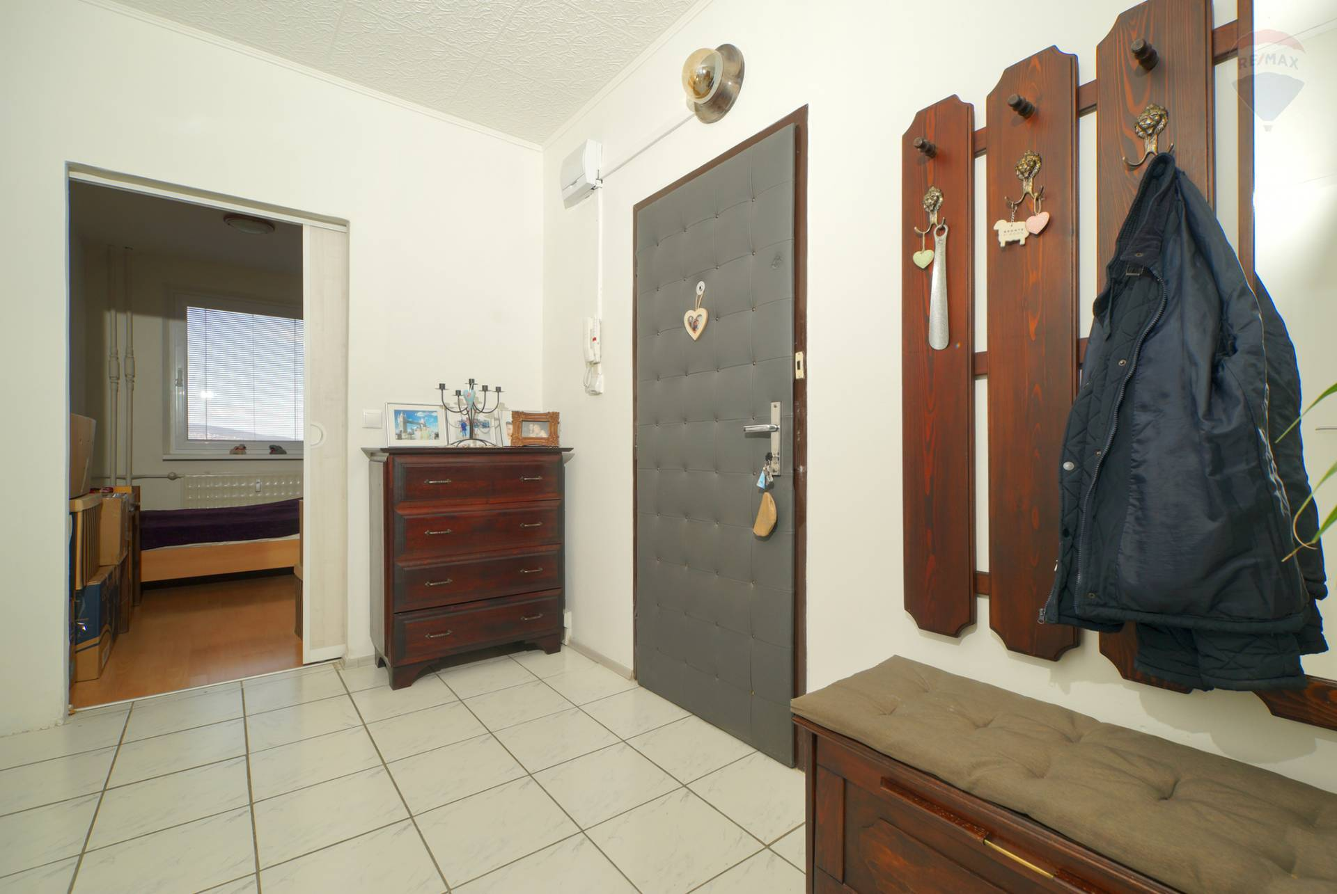 Predaj bytu (3 izbový) 61 m2, Nitra - Predaj zrekonštruovaný 3-iz.byt Nitra