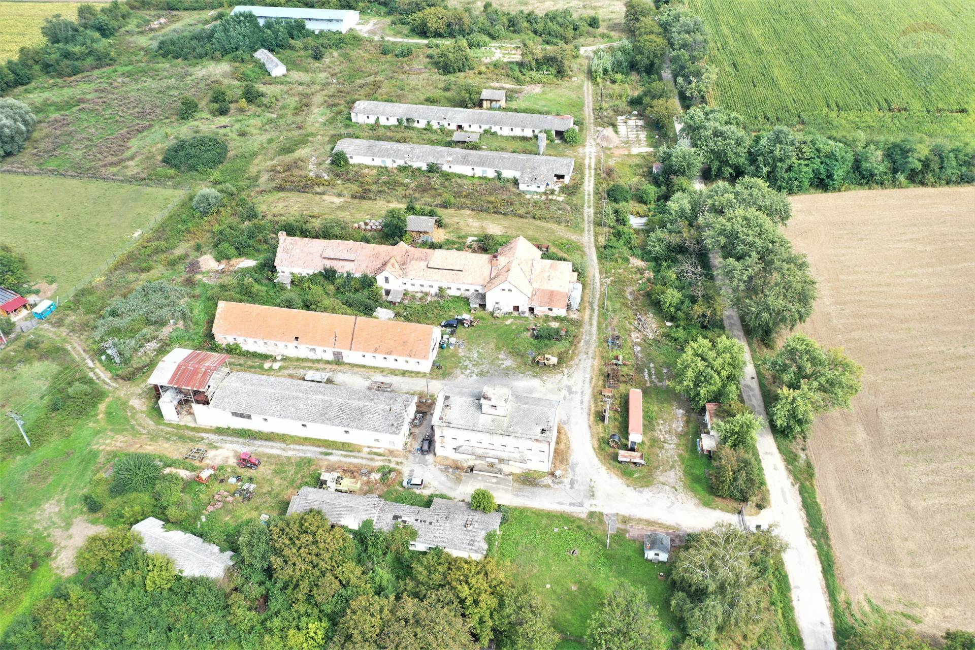 NA PREDAJ družstvo s pozemkami o výmere 179 924m2, Zlaté Moravce - Choča