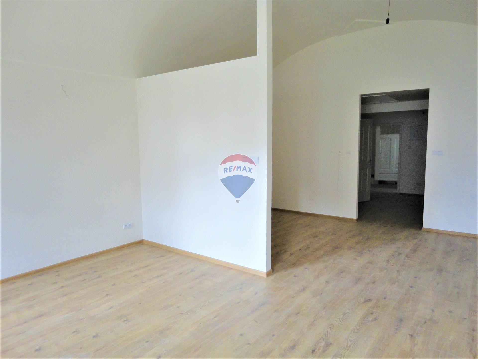 Prenájom, 1-izbový byt, Levoča, Námestie Majstra Pavla