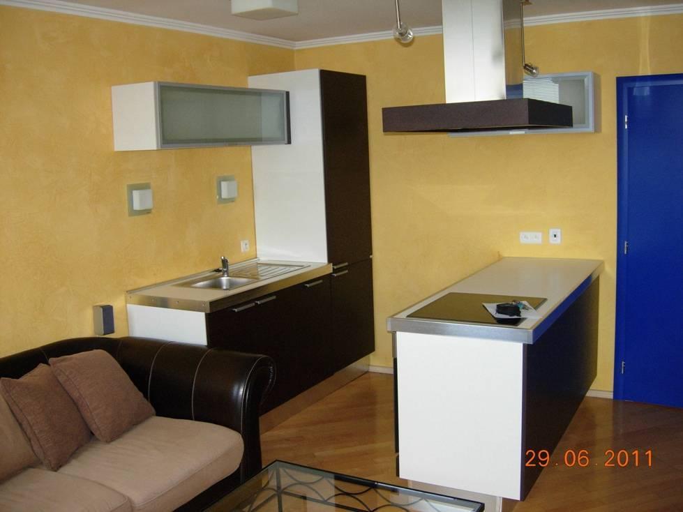 Prenájom bytu (2,5-izbový) 74 m2, Bratislava - Staré Mesto