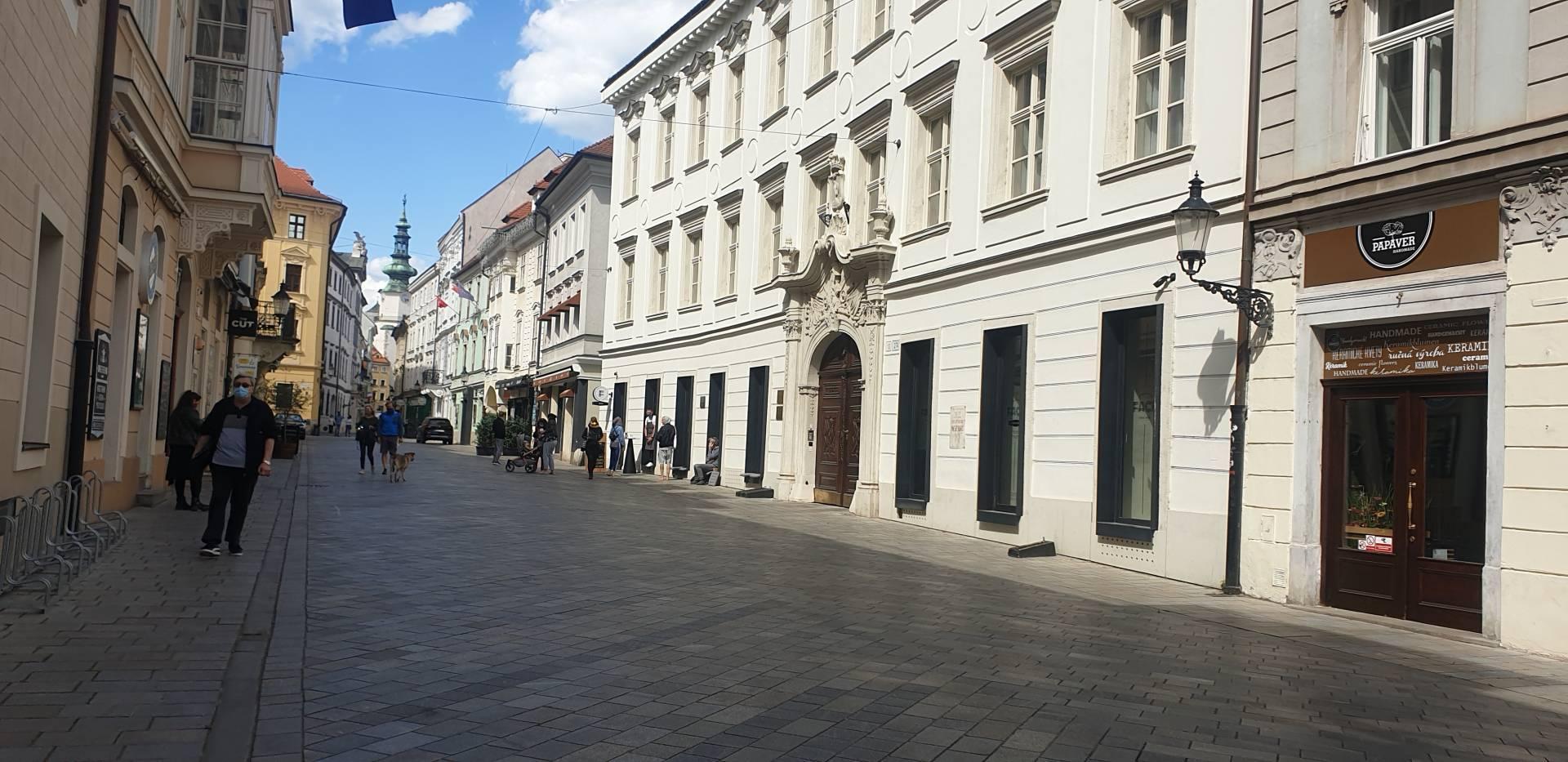Prenájom komerčného priestoru 42 m2, Bratislava - Staré Mesto