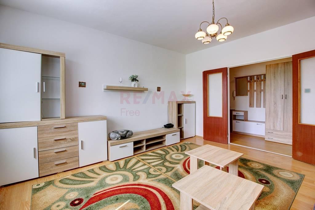 Na prenájom 1-izbový byt v Šamoríne