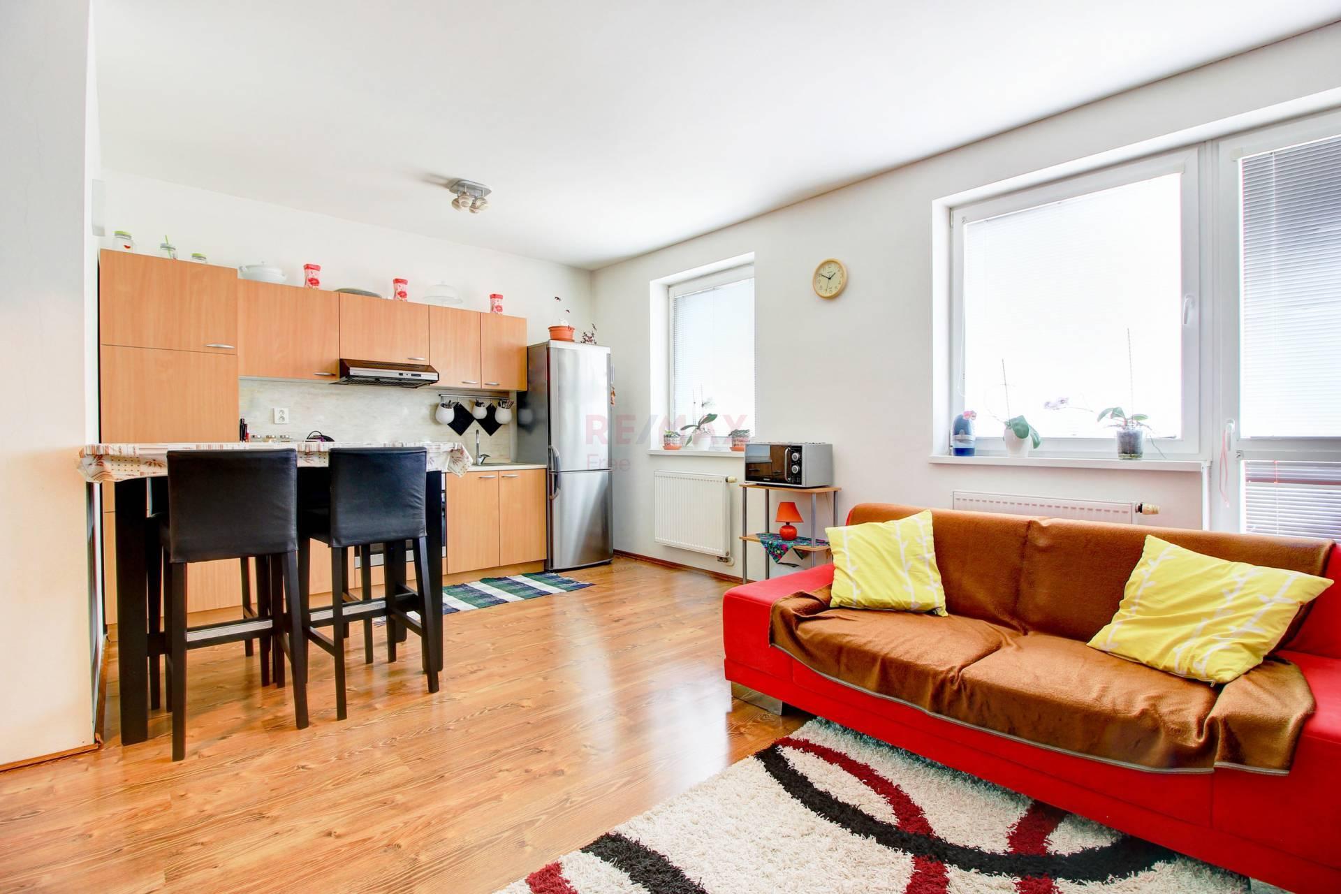 Na predaj: 3 izbový byt 65 m² , Rohovce, okres. Dun.Streda