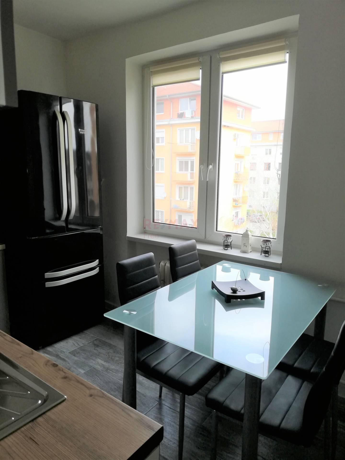 Predaj bytu (3 izbový) 60 m2, Dunajská Streda - 3 izbový byt
