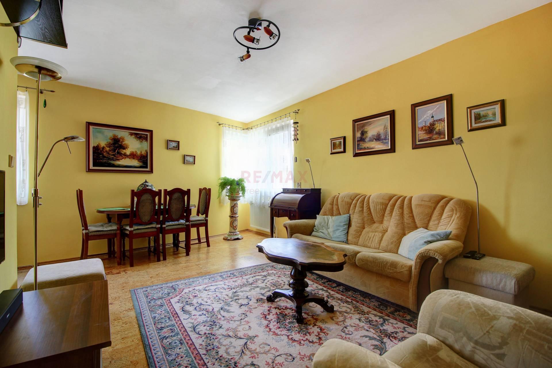 Na predaj: 4 izbový byt 100,95m² + garáž 19,14 m ² , Šamorín