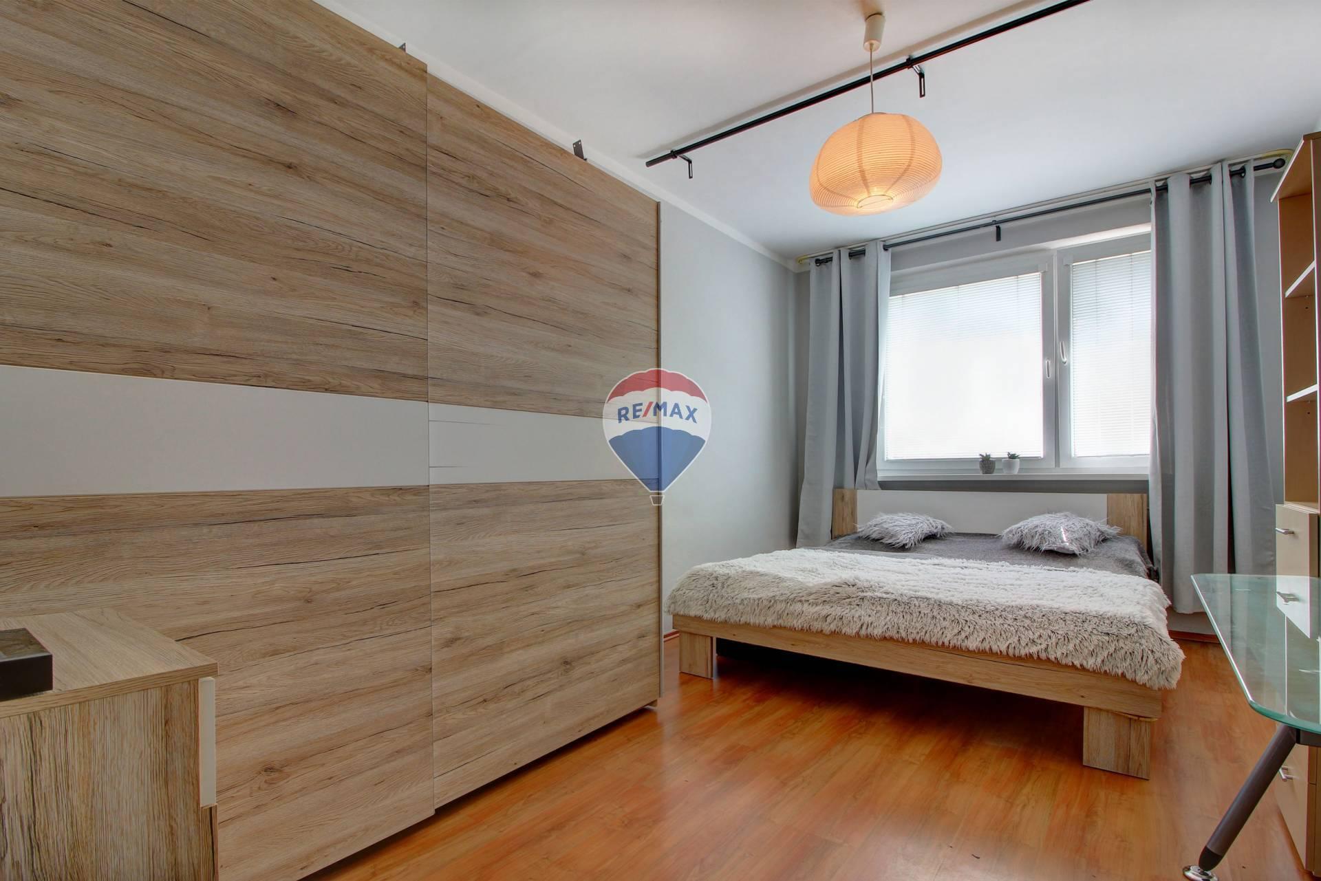 Na predaj 4-izbový byt v Petržalke na Beňadickej ulici v meste Bratislava