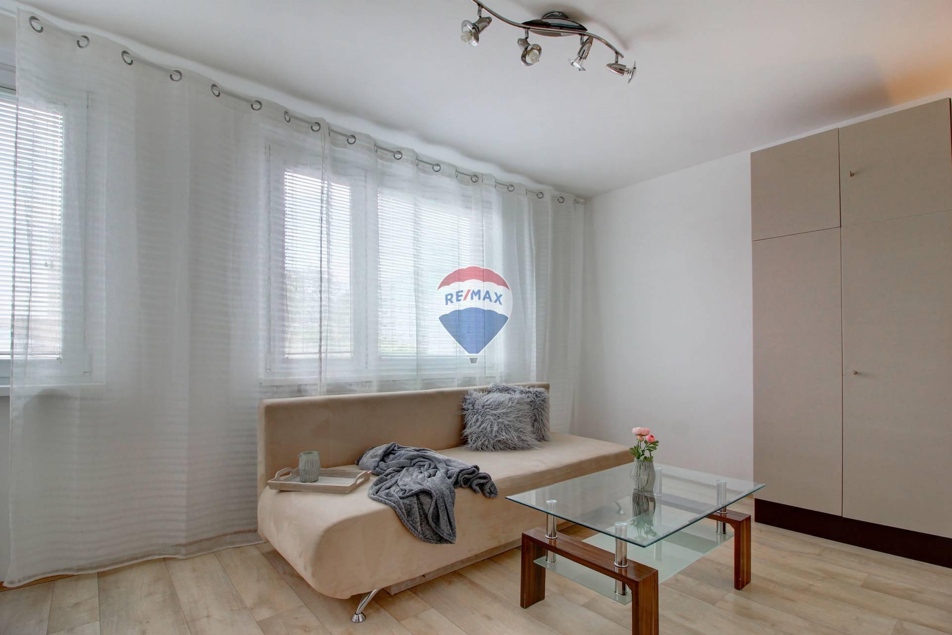 Prenájom bytu (1 izbový ) 29,5 m2, Šamorín /Gazdovský rad)