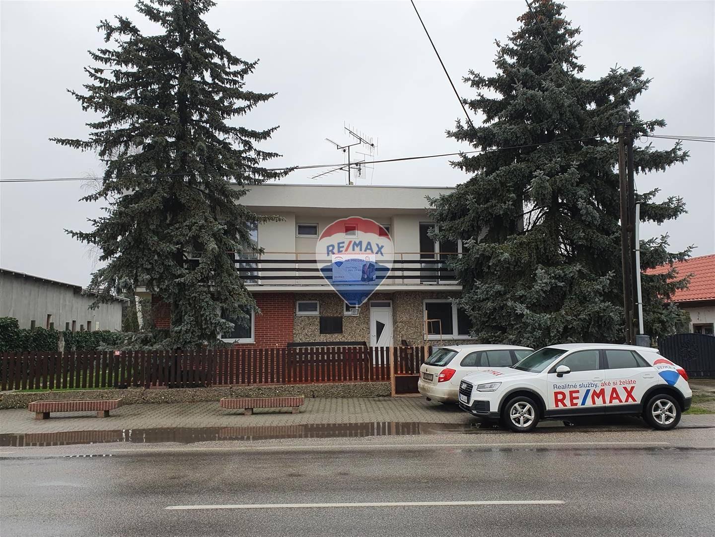 Na predaj: dvojgeneračný 6i rodinný dom na pozemku o rozlohe 3679 m², obec Hubice