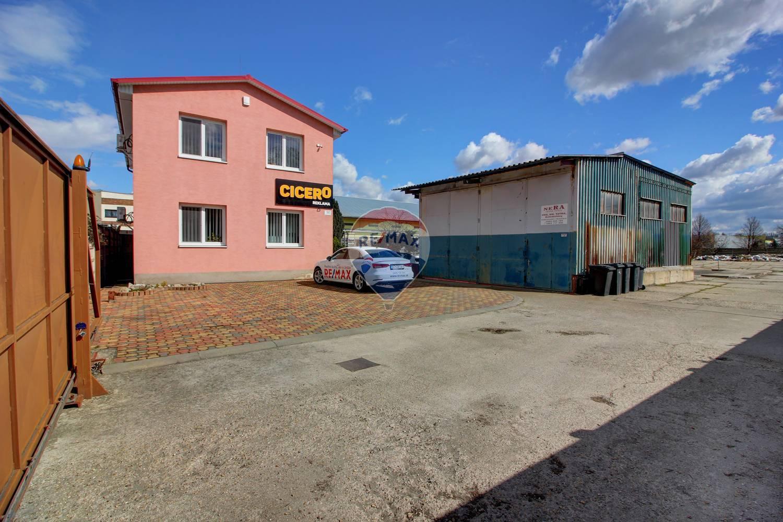 Na predaj administratívna budova 147m2 s halou 125m2 Bratislava