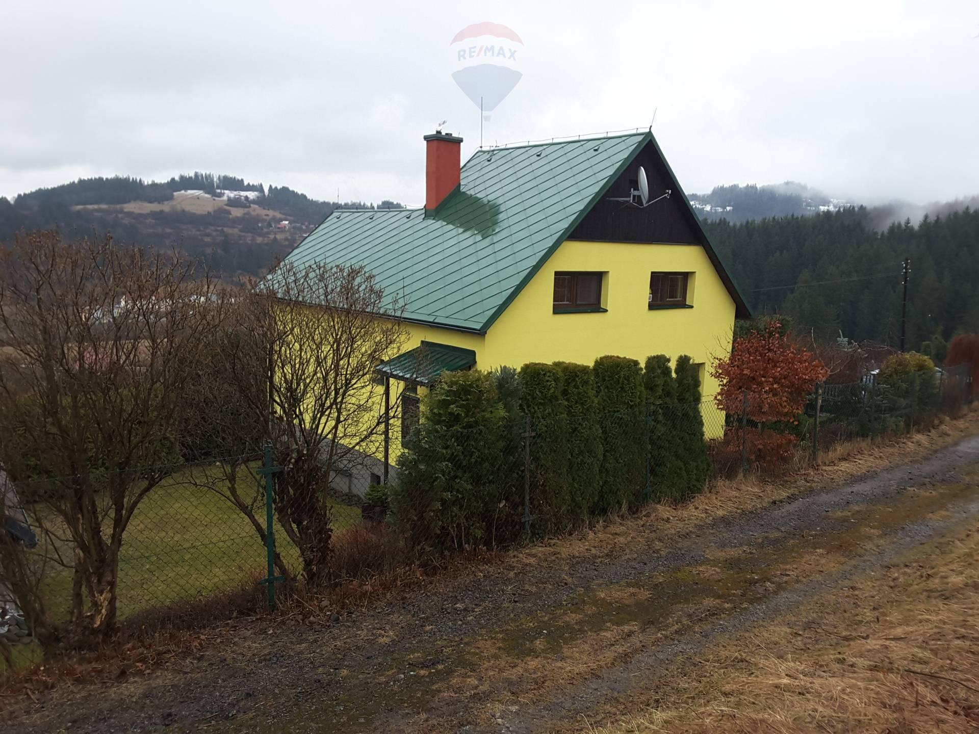 Na predaj chalupa a chata na jednom pozemku  2995m2 v Turzovke, časť Turkov
