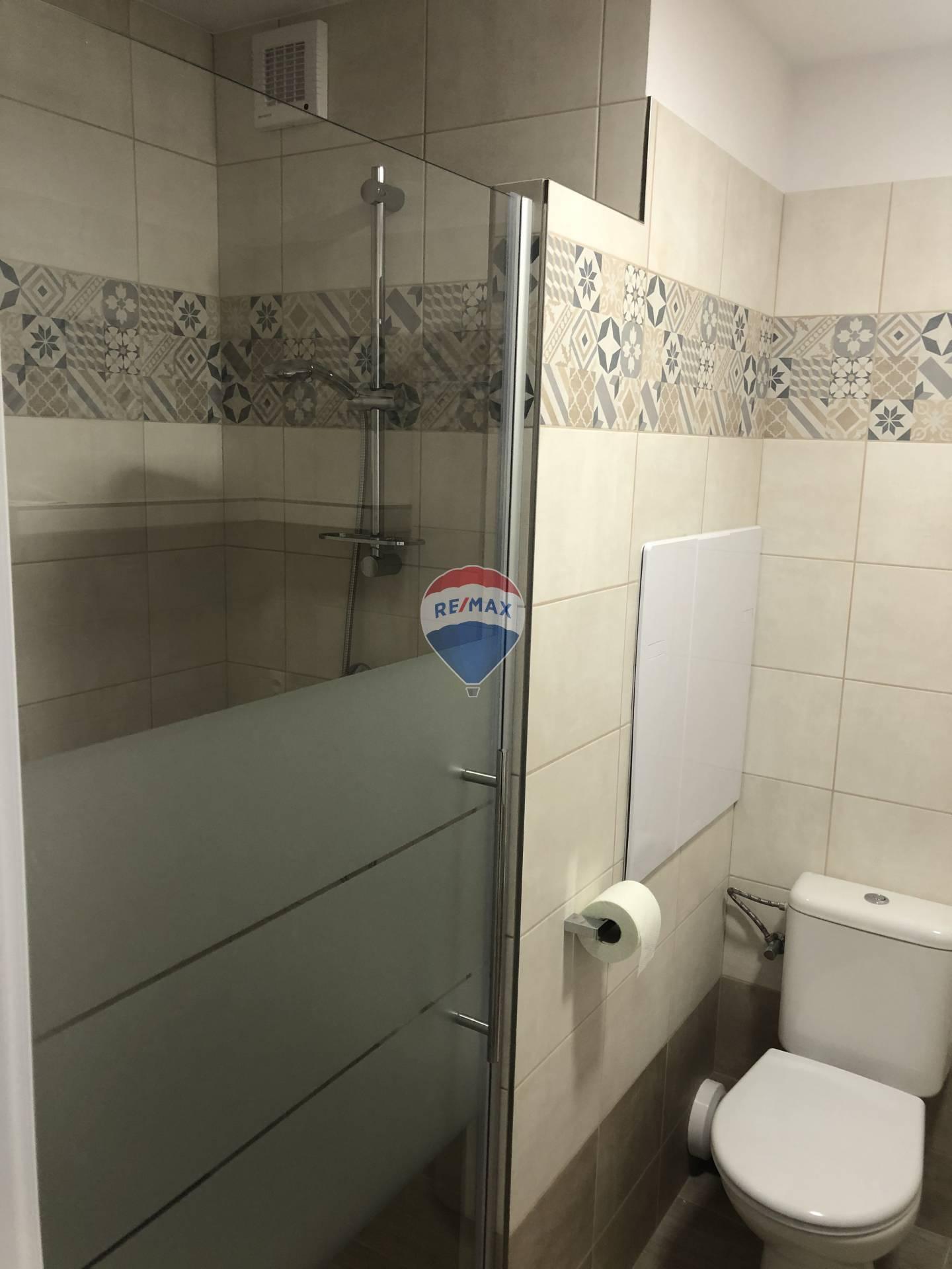 Prenájom bytu (2 izbový) 44 m2, Košice - Juh -