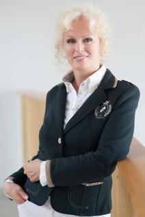 Mgr. Eva Kahajová - hypotekárny špecialista